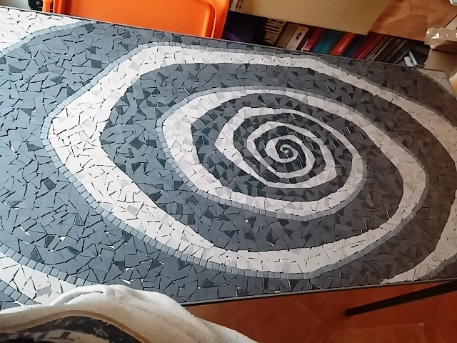 tavolo in mosaico vertigo