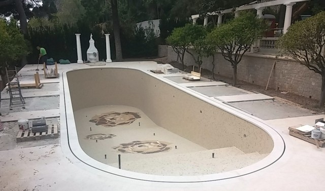 piscina di mosaico di gres