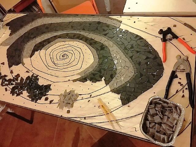 tavolo mosaico spirale