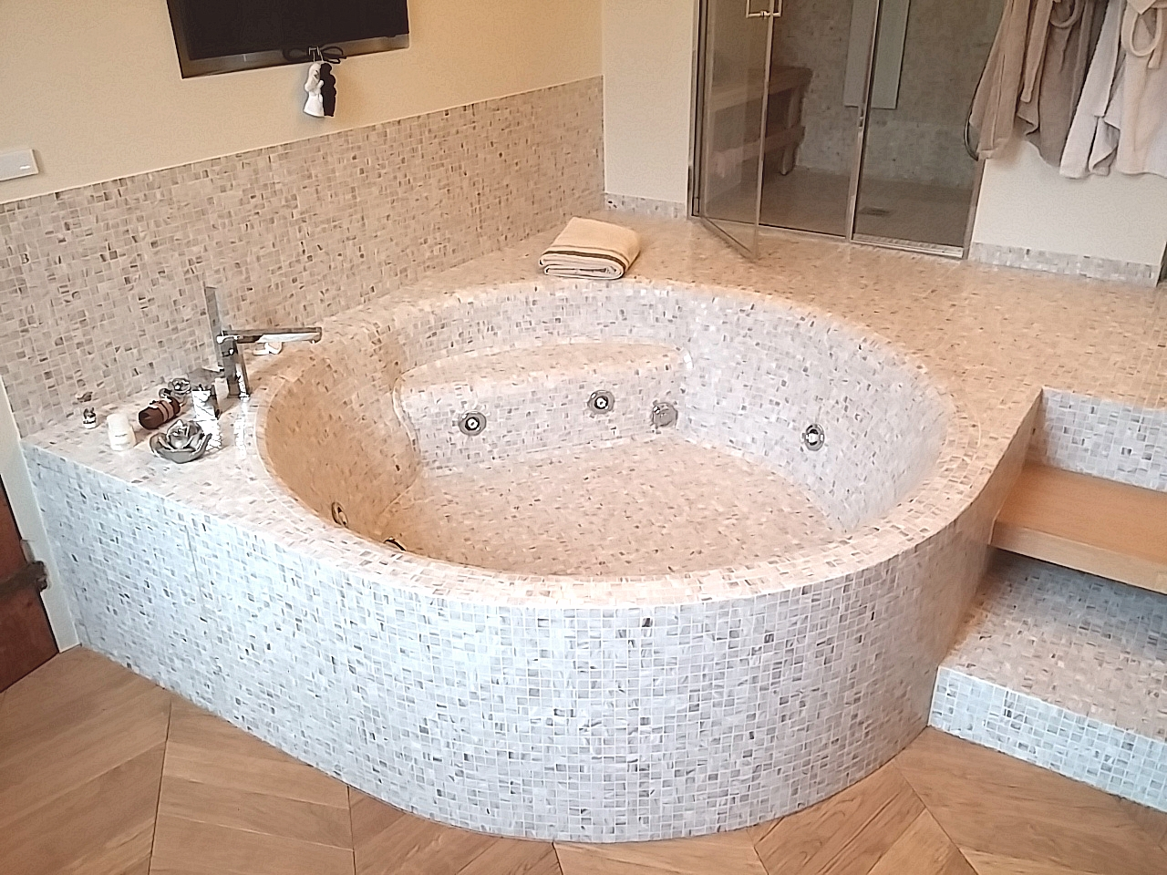 spesso la vasca da bagno di mosaico | i mosaici del laboratorio san Luca GV06