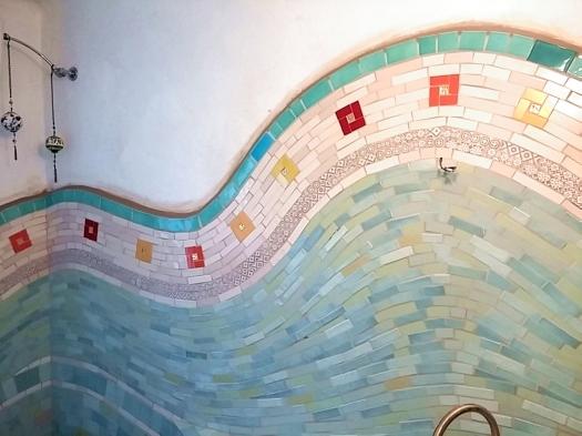 onde di trencadis - mosaico di piastrelle
